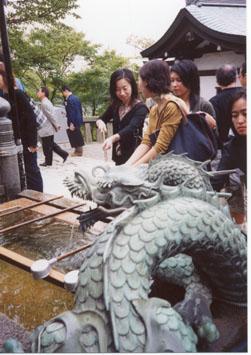 pilgrims at Kiyomizu-dera